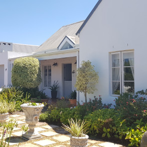 Immaculate 2 Bedroom Home For Sale In Greyton Country