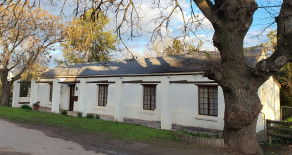 Classic Greyton home for sale in Queen St = Ref: Q7R
